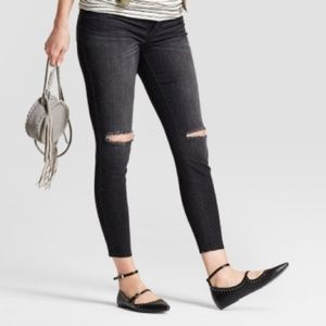 Destroyed Crossover Panel Maternity Jeggings - 14